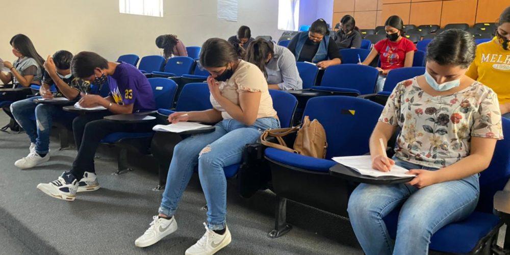 Brindan a jóvenes de Jesús María orientación vocacional
