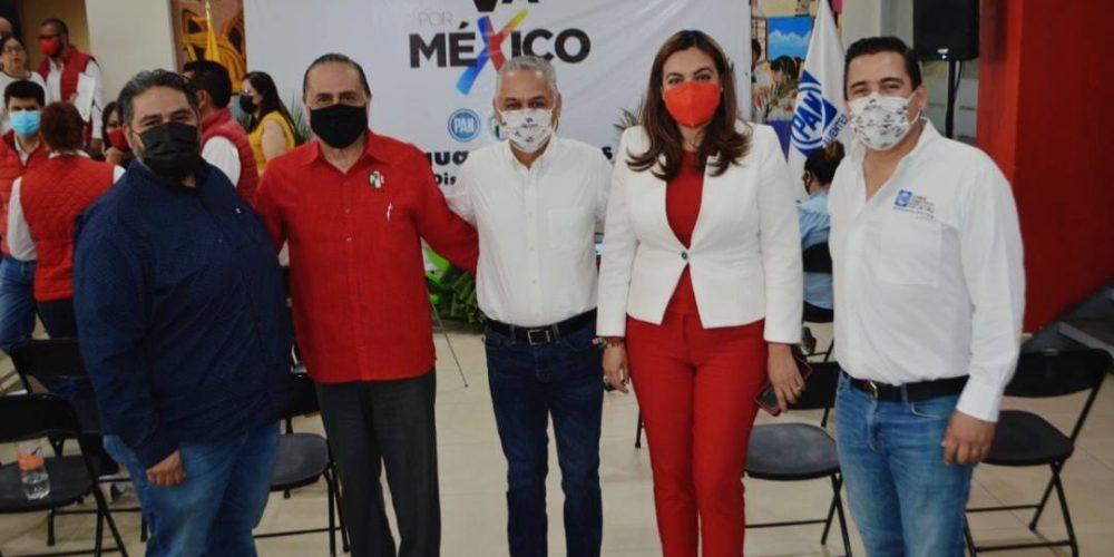 Noel Mata abanderado del PRI, PAN y PRD al Distrito 01 federal en Aguascalientes