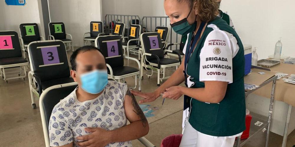 Termina vacunación contra Covid en personal del HGZ. No 1 del IMSS Aguascalientes