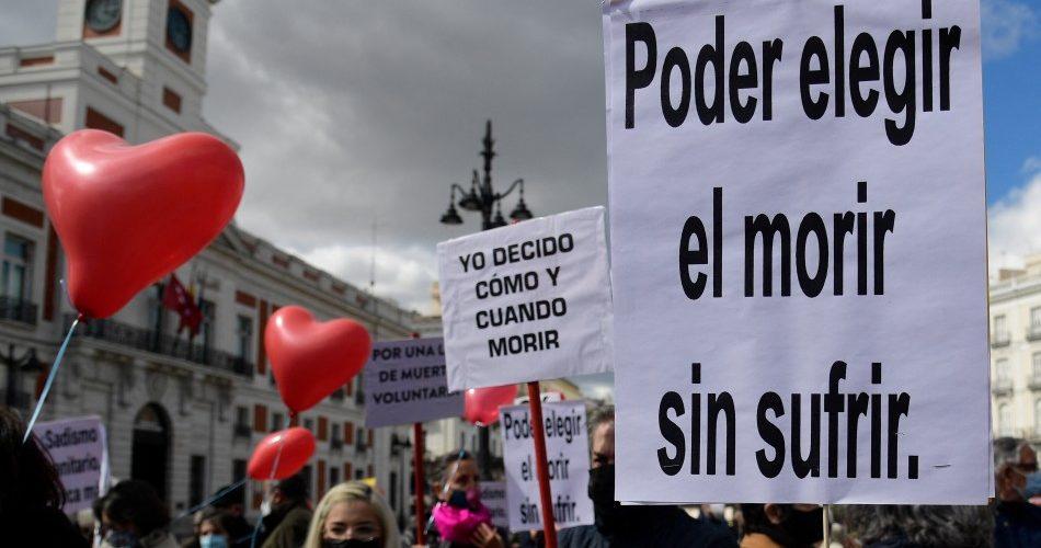 España aprueba la regularización de la eutanasia