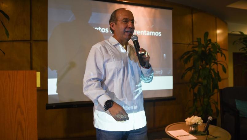 Denuncian a Felipe Calderón por traición a la patria y financiamiento al terrorismo