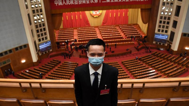 China obliga a pruebas anales de covid para viajeros extranjeros