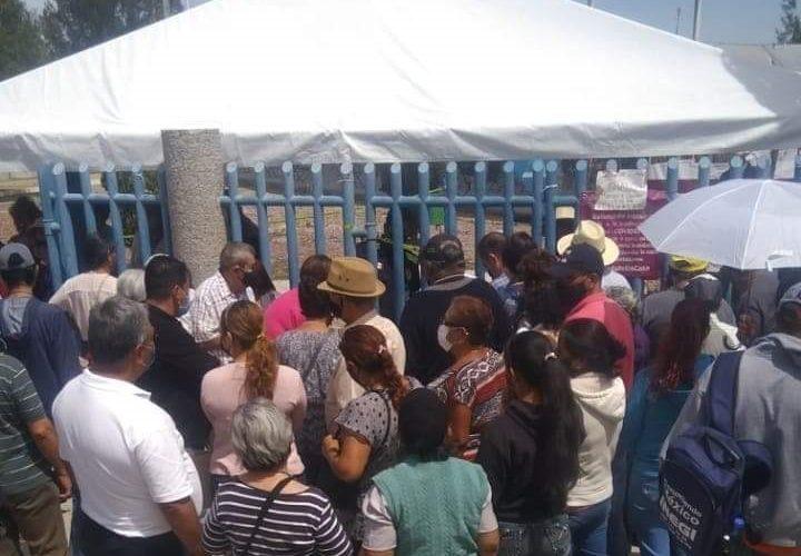 Caos en la aplicación de vacunas en Pintores Mexicanos