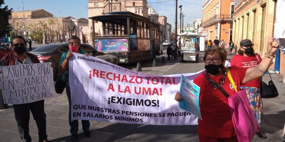 """Protestan jubilados contra """"atropello"""" de la Suprema Corte"""