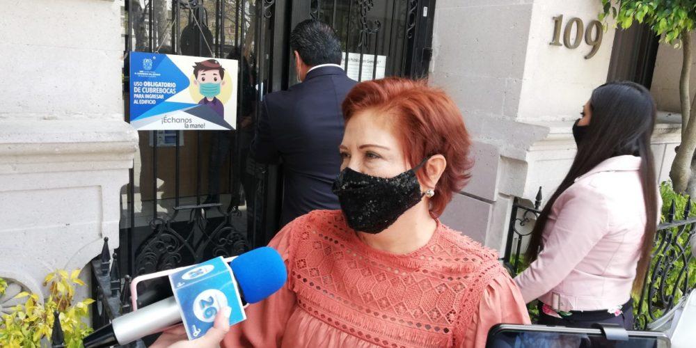 Critica Guillén manifestación de colectivos feministas