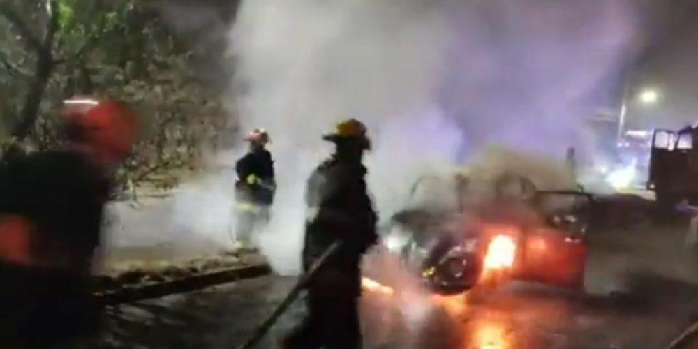 Se incendia 'vocho' en el Solidaridad III