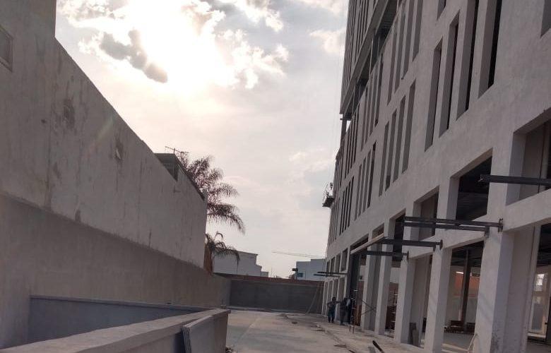 Joven cae de un séptimo piso y muere en Aguascalientes