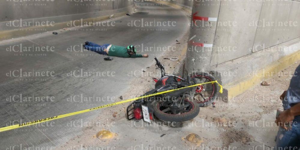 Fallece motociclista al estrellarse en el muro del Distribuidor Vial Norte