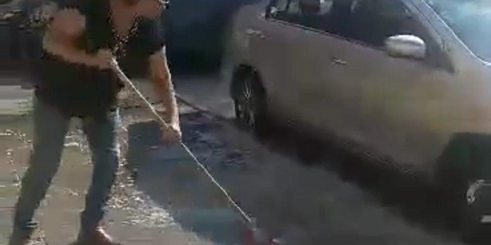 (Video)Denuncian a prepotente mujer que se siente dueña de la calle en Pilar Blanco