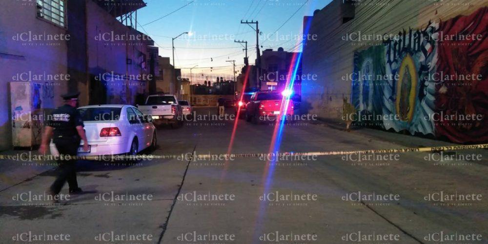 2 muertos 1 herido deja ataque a balazos en picadero en Villa de las Fuentes