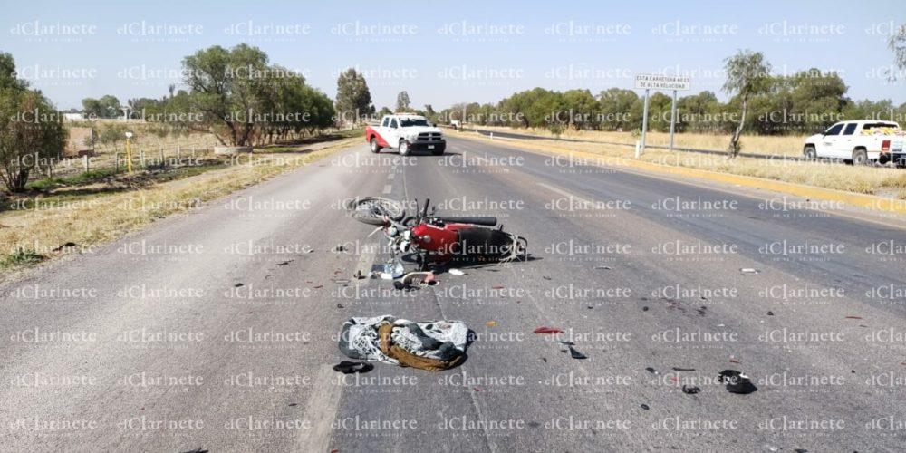Agoniza motociclista tras caída en San Francisco de los Romo