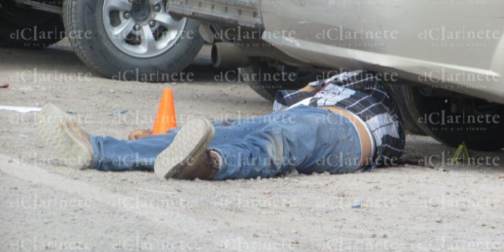 Asesinan a balazos a empleado del municipio de Jesús María en el centro