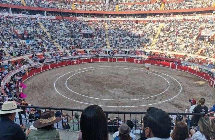 """""""Yo vi poquitos""""; dice Orozco sobre lleno en la Plaza de Toros Monumental"""
