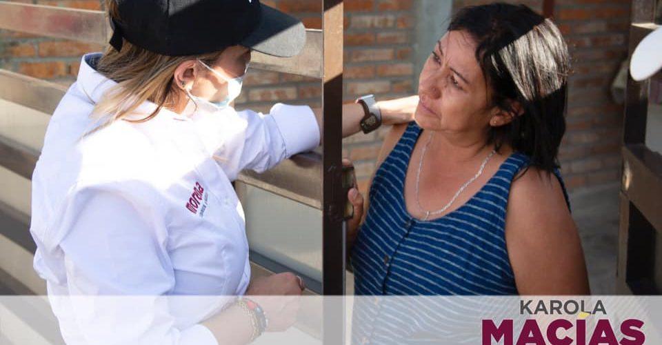 Karola Macías sigue visitando y escuchando a vecinos del Distrito 16