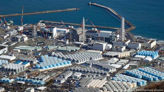 Japón decide arrojar agua radiactiva de la central de Fukushima al Océano Pacífico