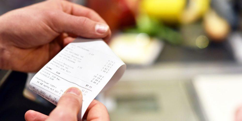 Profeco prohíbe a tiendas de autoservicio revisar tickets al salir