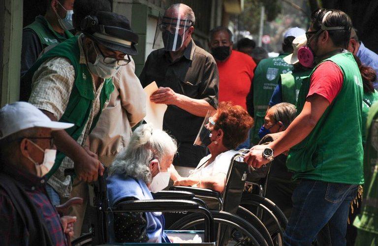 SSa reporta 213,597 muertos por covid en México
