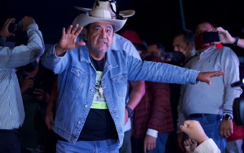Félix Salgado acusa a Salinas por el retiro de su candidatura