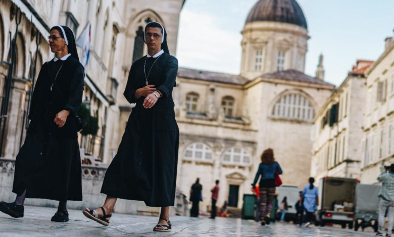 Desea mujer trans ser monja