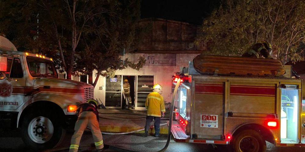 Sofocan incendio en la UAA