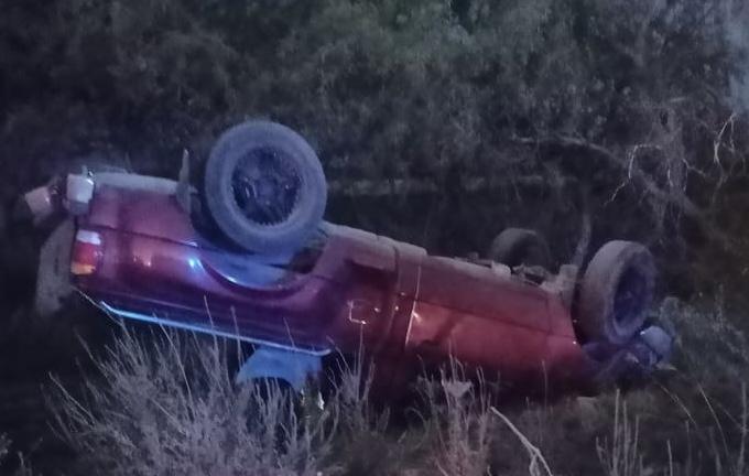 Volcadura en carretera a El Llano deja 2 heridos graves