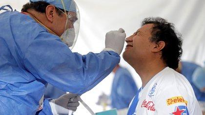México alcanzó más de 215 mil muertes por covid