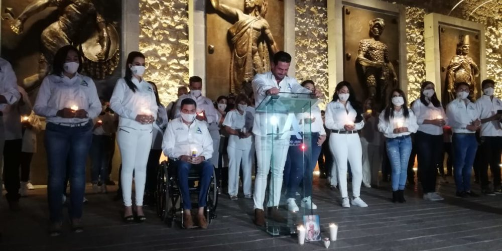 Con 3 minutos de silencio por víctimas de Covid, Ricardo Franco inició campaña