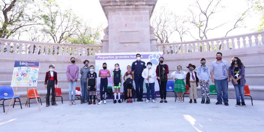 Leo Montañez propone programas dirigidos al desarrollo de niñas y niños