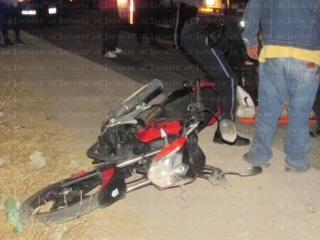 Motociclista y acompañante sufren caída tras ser agredidos a pedradas en San Ignacio