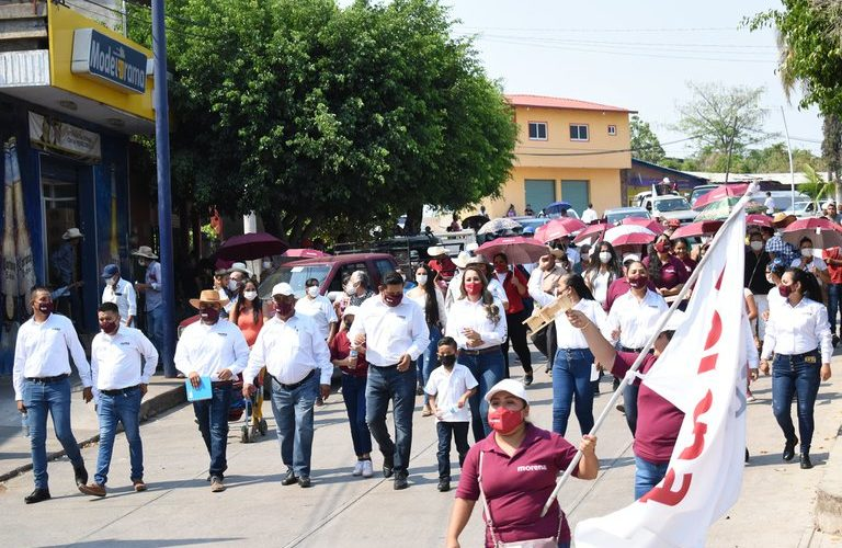 Candidata de Morena a la alcaldía de Aguililla, señalada como jefa de sicarios de Cárteles Unidos