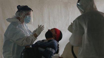 Mueren 401 personas por coronavirus en las últimas 24 horas