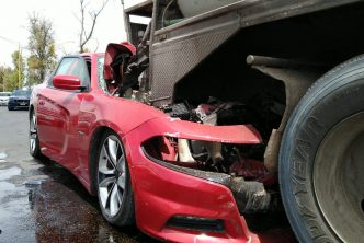 Pide municipio evitar uso de celular al conducir para evitar accidentes