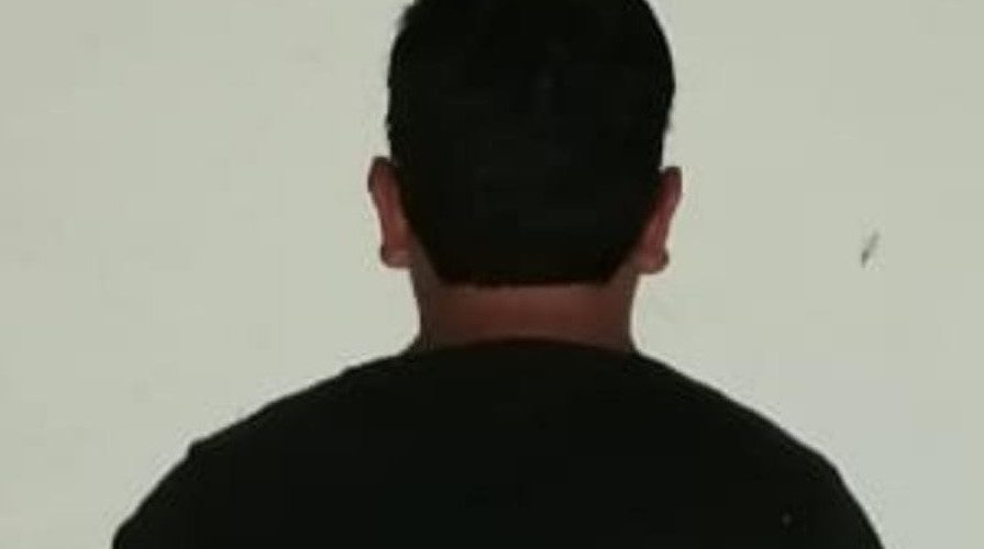 Detienen a sujeto acusado de grabar a 2 mujeres en baños de Plaza San Telmo