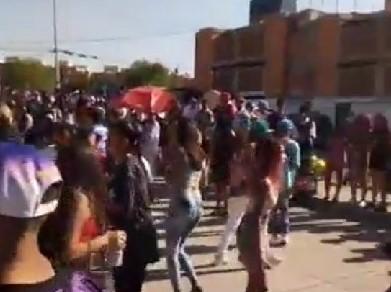 (VIDEO) Vuelven a armar baile masivo en el Infonavit Morelos