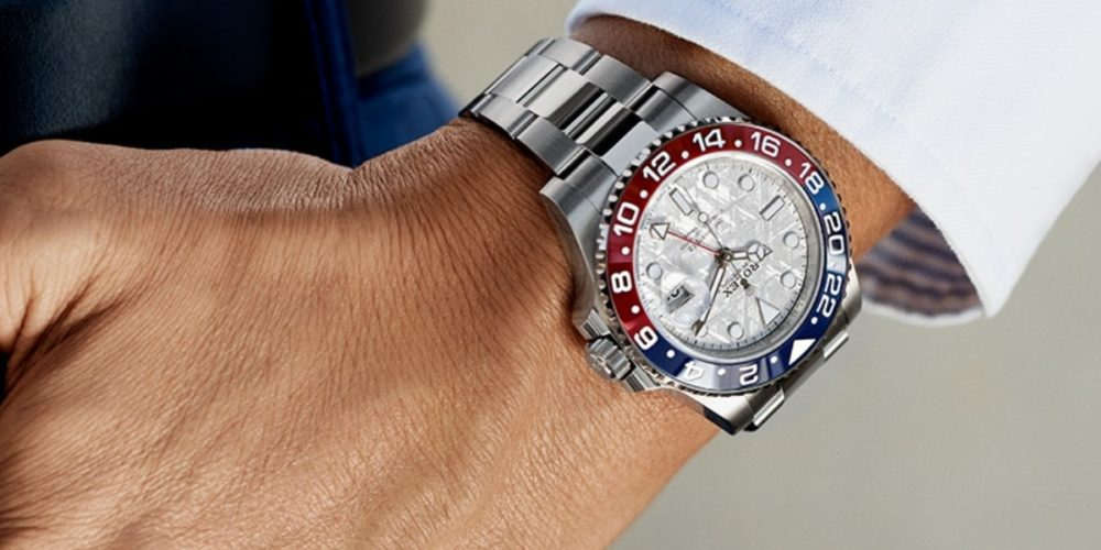 Asaltan a japonés y le quitan un reloj Rolex en Bosques del Prado Norte