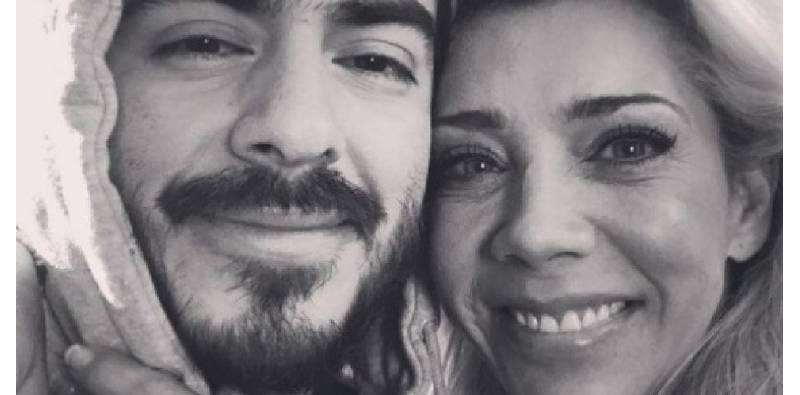 Rey Grupero se suelta en llanto tras rompimiento con Cynthia Klitbo