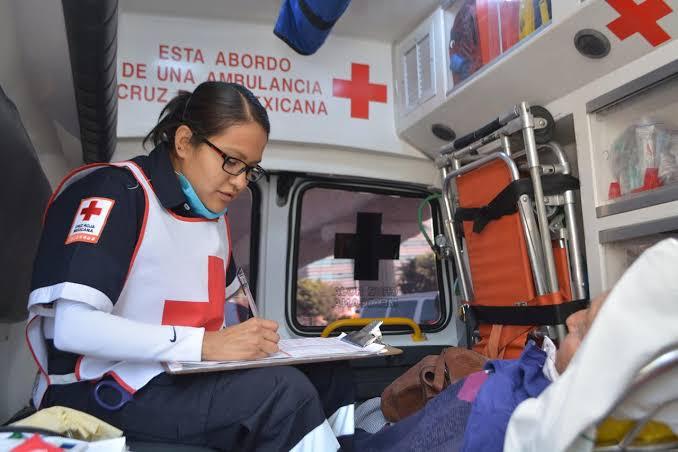 Exigen paramédicos y bomberos de Aguascalientes vacunas anti Covid
