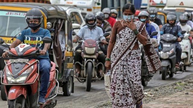 Nueva Delhi se queda sin camas y oxígeno para enfermos de Covid-19