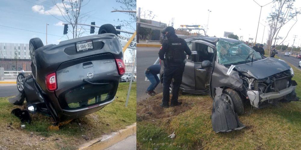 Conductora pierde el control de su auto y vuelca frente al Hospital Hidalgo