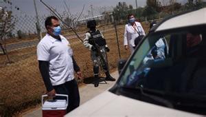 Grupo armado ataca a brigada de vacunación contra el COVID-19 en  Michoacán