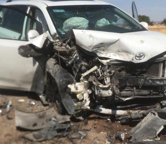 Choque frontal deja 2 lesionados y cuantiosos daños en Pabellón de Arteaga