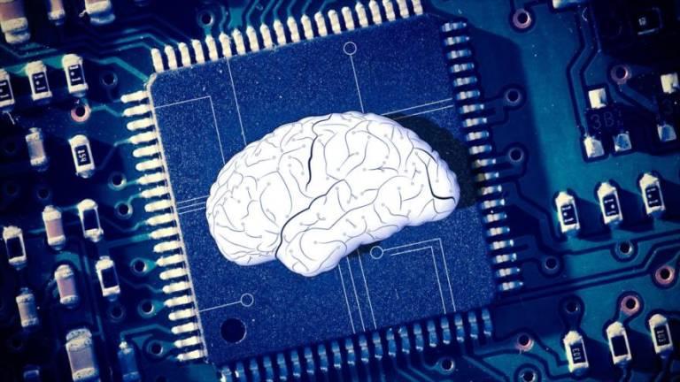 Investigadores crean microchip que escribe en un ordenador con ayuda del cerebro