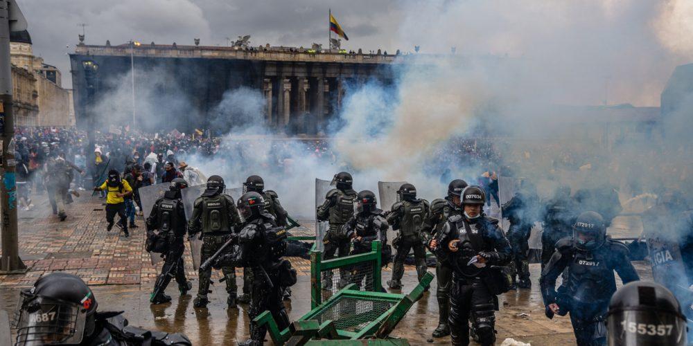 19 personas mueren en  manifestaciones de Colombia