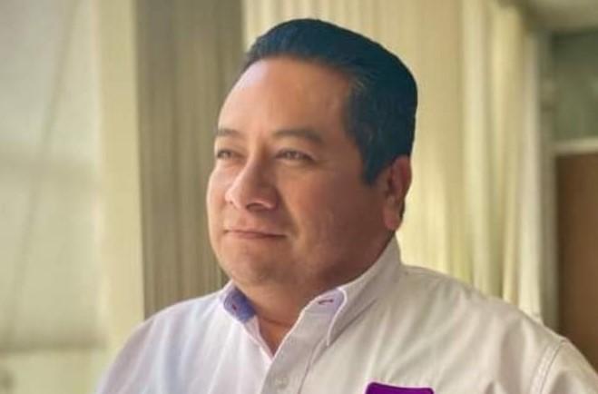 Candidato a alcaldía de Aguascalientes se queja con el IEE por excluirlo del debate