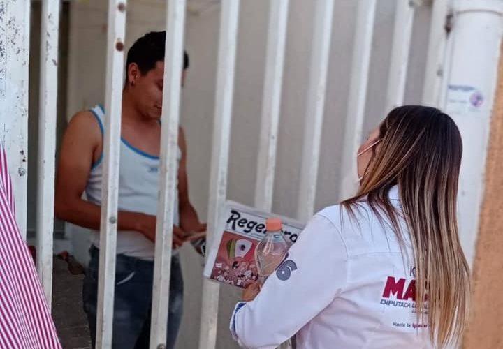 Karola Macías se mantiene cercana a vecinos del distrito 16