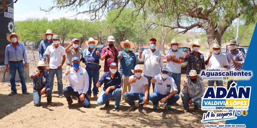 Adán Valdivia refrenda su compromiso con los productores del campo