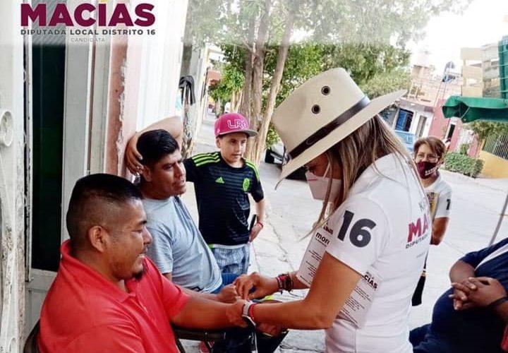 Karola Macías redobla trabajo para llevar sus propuestas en el distrito 16