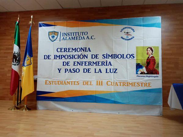 Instituto Alameda condecora a estudiantes de enfermería
