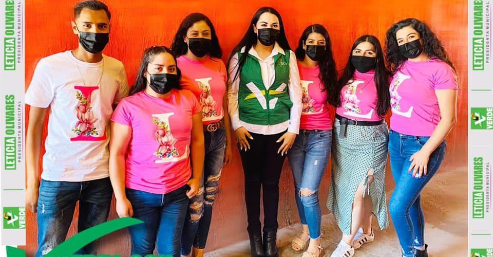 Leticia Olivares se reúne con jóvenes de Tepezalá