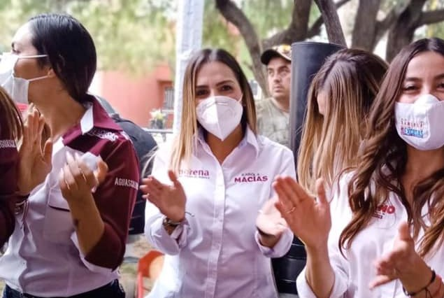 Participa Karola Macías en primer cierre de campaña
